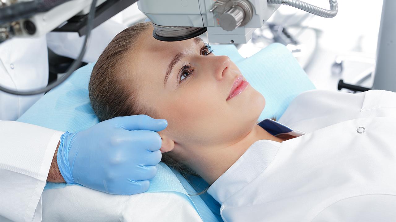 Chirurgia laser per gli occhi: 5 cose che devi sapere sull'intervento